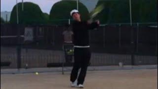 <『EVP TENNIS CONSULTING』<CEO>>左手(非利き手)での壁打ちテニス2回目で、早くも徐々にラリー出来てきたぞ!