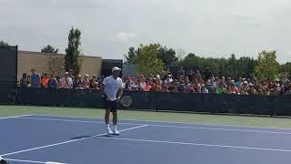 男子テニスの世界選手のひとりであるロジャー・フェデラーの練習風景(2018 ウエスタン & サザン テニスオープン@シンシナティ、オハイオ州)