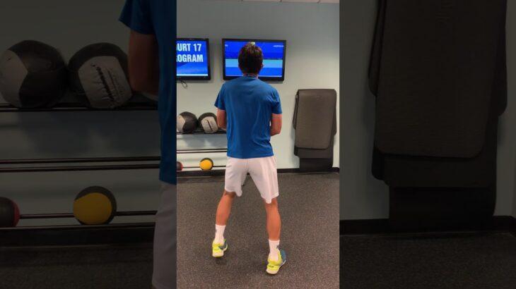【モノマネ】本人の前(テレビ)でやってみた【テニス】