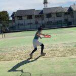 テニスの上達の仕方教えて下さい!please tell me how to improve the tennis skills!