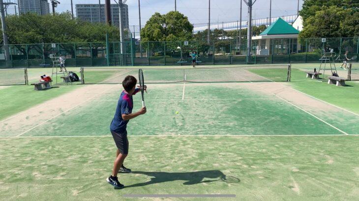 テニス [moment] 風が強い中のとあるポイント…