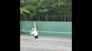 【卓球人】がテニスのフラットサーブ打つとどうなるの❓❓(tennis)#Shorts