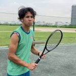 【テニス】イヤホンつけながら試合のアップする奴【フェデラー】