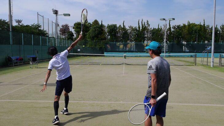 テニスコーチから球出し作業を解放!テニス球出しマシン《スピンショットプレーヤー》