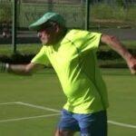 97歳のテニスプレーヤー、選手権に向けきょうも練習 フェデラー挑戦が最終目標