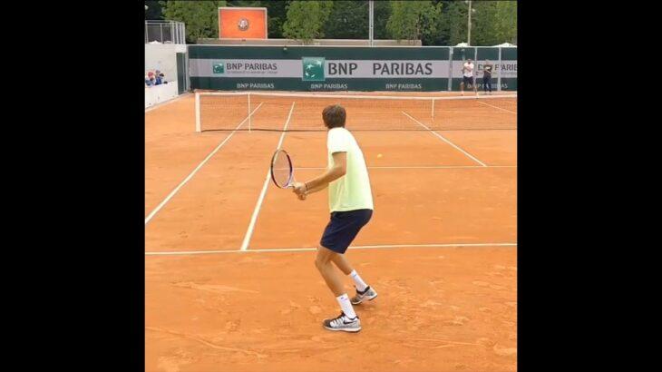 Daniil Medvedev Backhand Hit.    Tennis  網球 テニス  网球