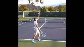 Daniil Medvedev Serve .    Tennis  網球 テニス  网球
