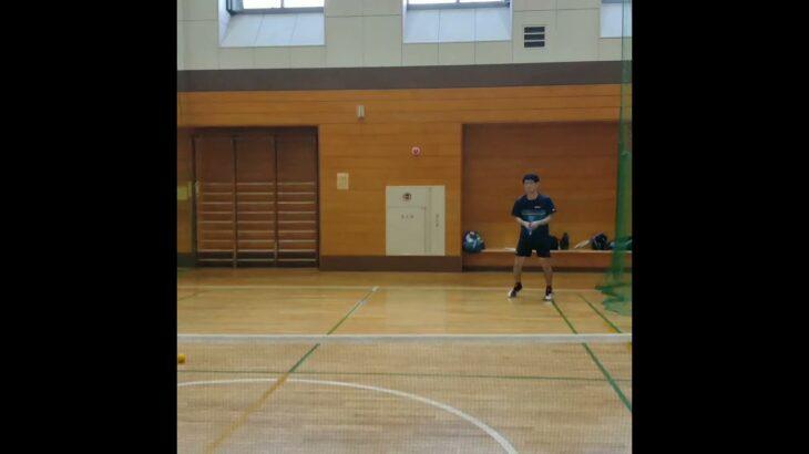 【テニス一般人練習あるある】遠いボールは〇〇……..(tennis)#Shorts