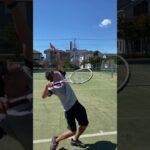【テニス】ジャンプしないと取れないスピンサーブ 【#Shorts】